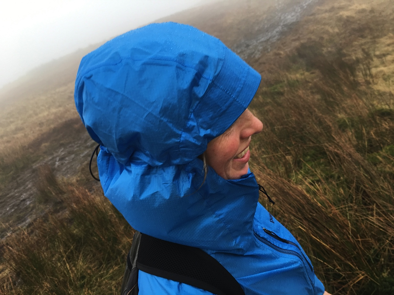 RUNULTRA_Waterproof-lightweight-jackets-review_close-up-of-patagonia-alpine-houdini